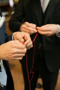 ゲスト一人ひとりが結んだ赤い糸でリングリレー